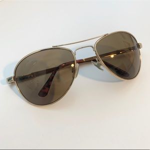 ✨ URBAN OUTFITTERS Polarized Aviator Sunglasses